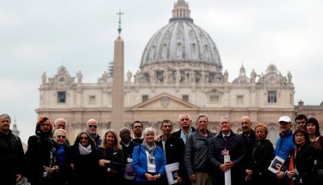 Víctimas de abusos sexuales le pidieron al Papa abrir los archivos secretos del caso Grassi