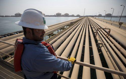 OPEP debe elegir de nuevo entre ira de Trump y desplome de crudo