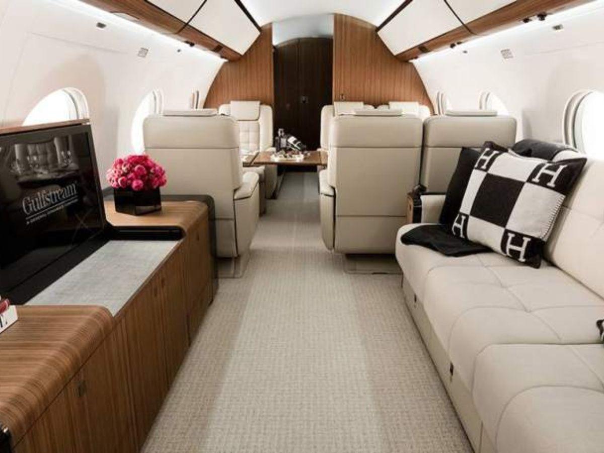 Tranca, Lio: cómo es por dentro su nuevo avioncito privado de 15 millones de dólares