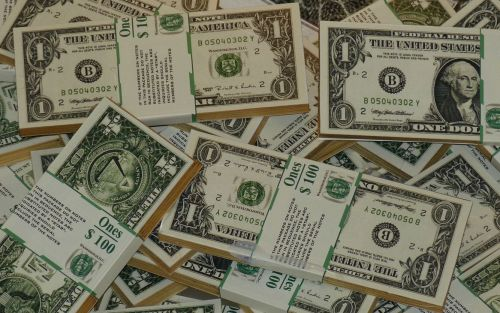 Dólar hoy: el blue comienza en baja, pero sube el CCL