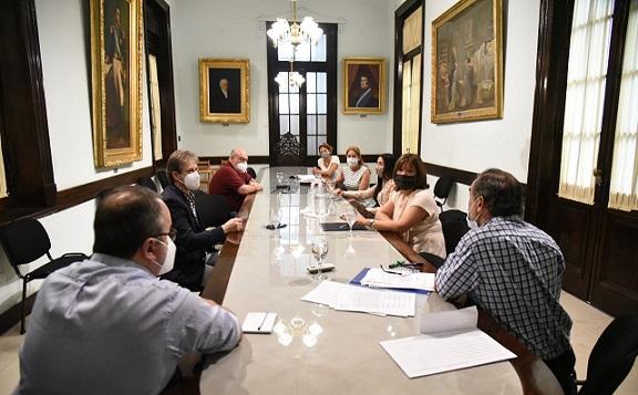 Se reunió la Comisión del Defensor del Pueblo fijó fecha de examen