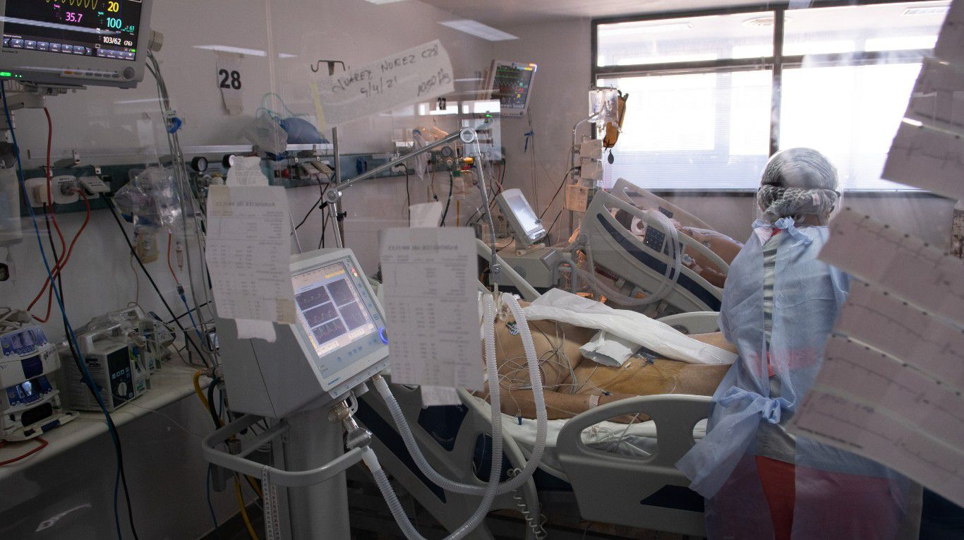 pese-a-las-restricciones,-en-los-ultimos-10-dias-crecio-la-ocupacion-de-camas-de-terapia-intensiva-de-pacientes-con-coronavirus-y-esta-en-su-pico-maximo